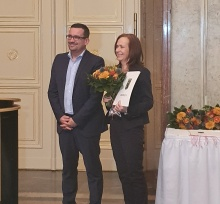 Ruth Ditschkowski mit Staatssekretär Fischer
